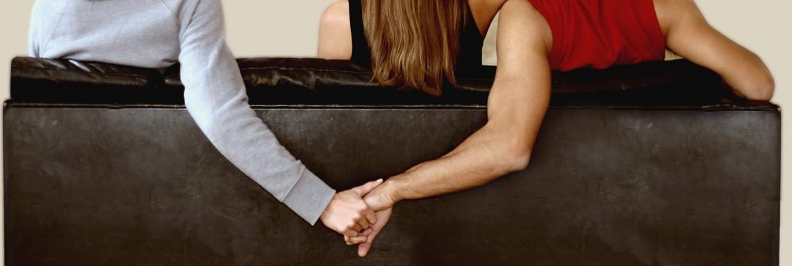 Cacciare il coniuge di casa per la cassazione reato - Prostituirsi in casa e reato ...